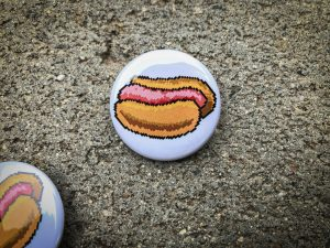 "1.5"" Pinback button with 8bit hotdog"